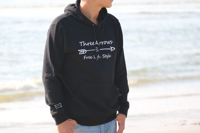 ThreeArrowsロゴ パーカー(black)