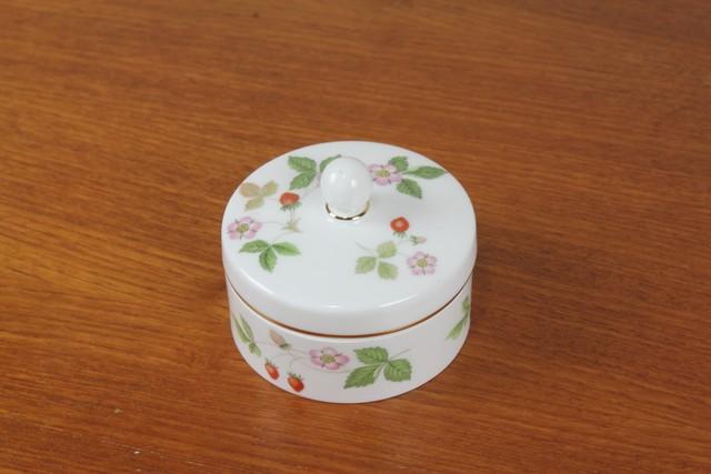 ウェッジウッド WEDGWOOD ワイルドストロベリー WILD STRAWBERRY 小物入れ 蓋付き 箱有り 丸型 イギリス