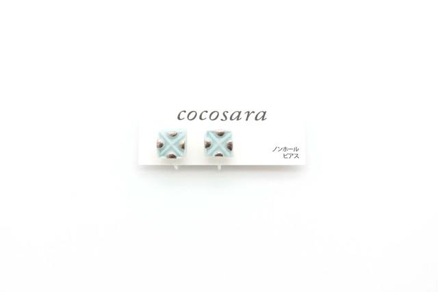 有田焼ノンホールピアス  square × Dot (白金)薄水色