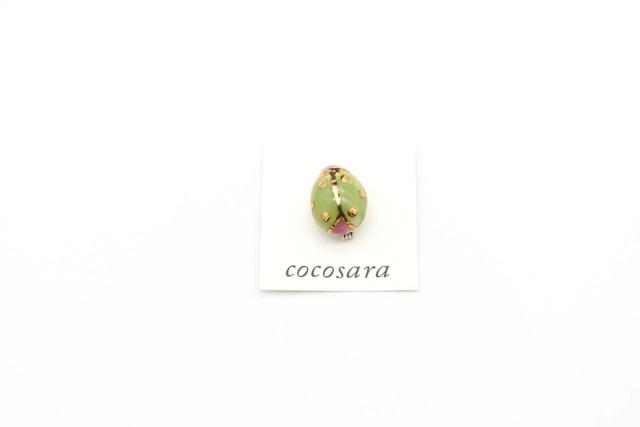 有田焼小さいブローチ てんとう虫(黄緑)