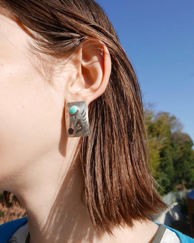 Bear claw turquoire pierced earrings /       HP-005