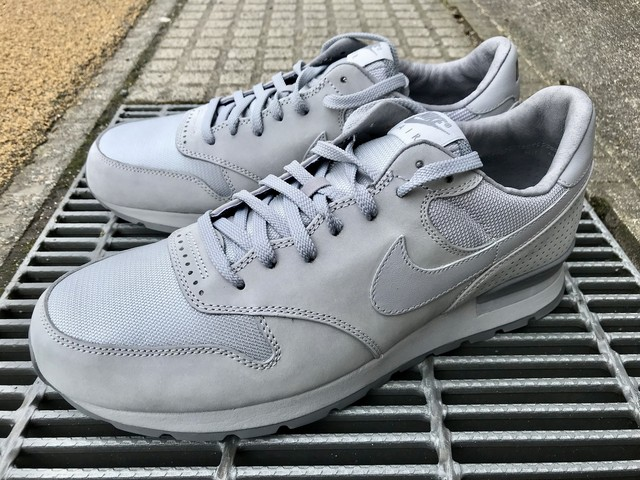 NIKE AIR ZOOM EPIC LUXE (WOLF GREY/WOLF GREY-COOL GREY)