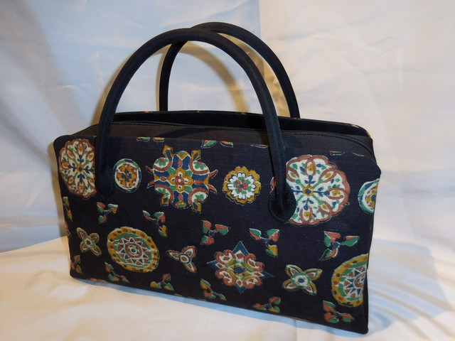 天まち黒和装バック(大) Antiques kimono fabric bag(made in Japan)