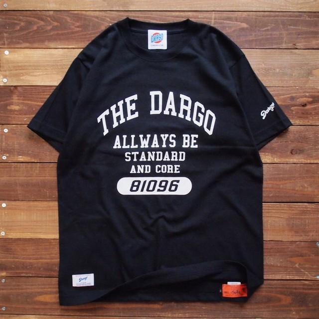 "【DARGO】""College Logo"" T-shirt (BLACK)"