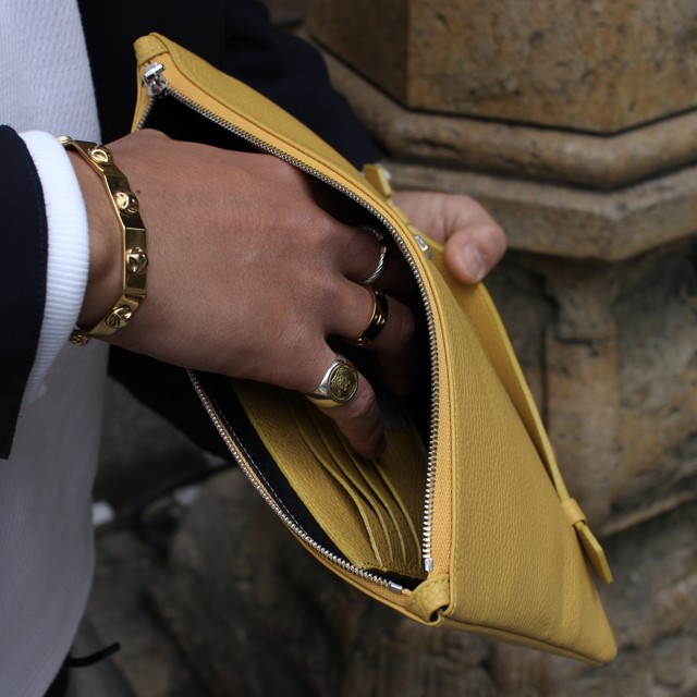 Italian leather clutchbag/Mustard