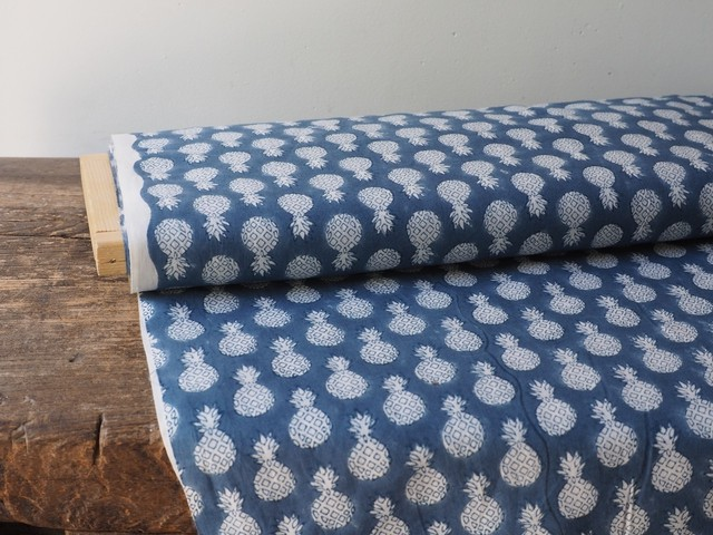 block print fabric b3 パイナップル
