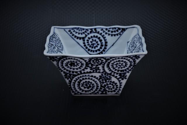 タコ唐草角鉢(小)