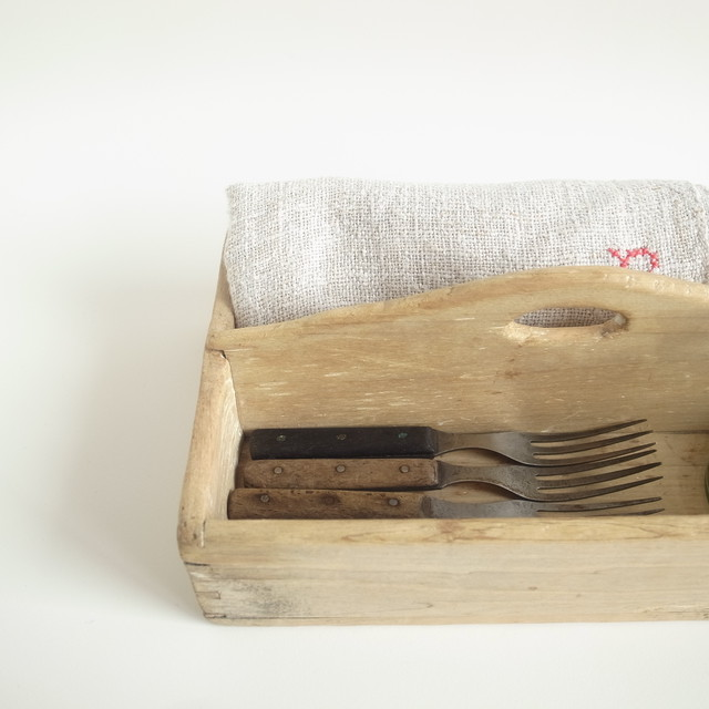 Wooden cutlery case