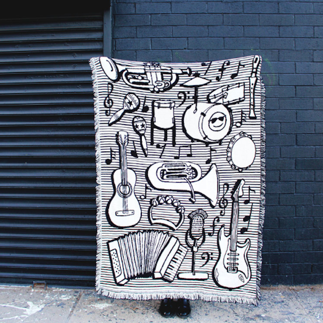 CALHOUN&CO.  BLACK & WHITE MUSICAL INSTRUMENT REVERSIBLE THROW BLANKET スローブランケット