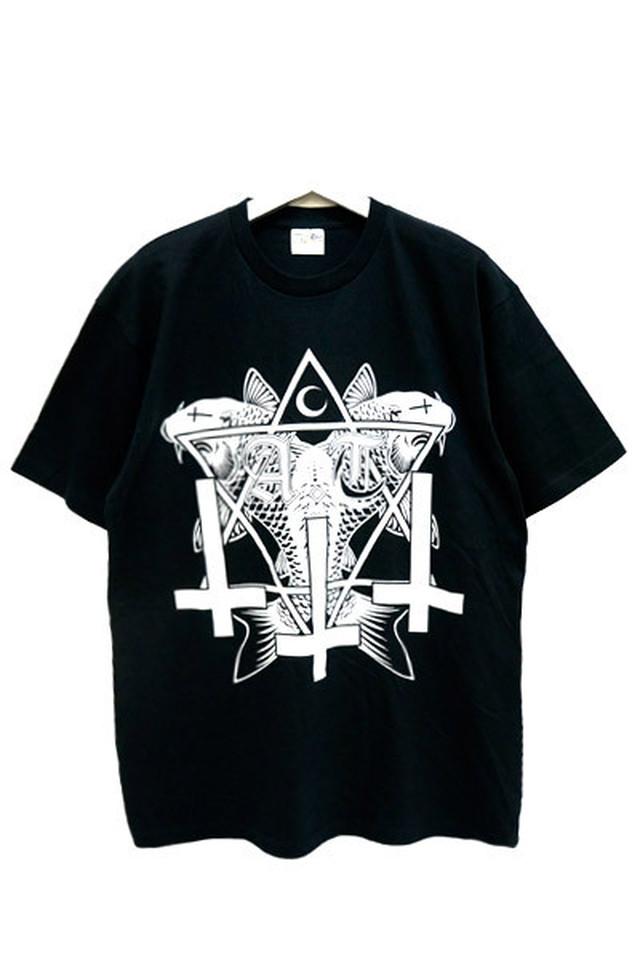 俎上之鯉 T-shirts