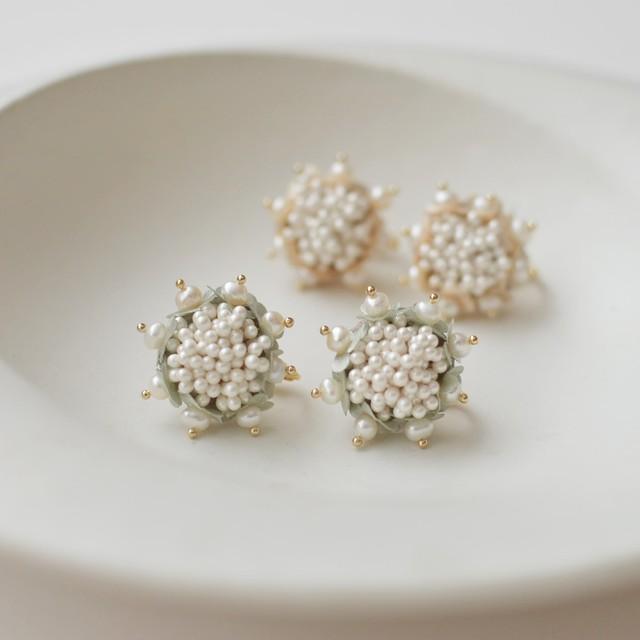小花とパールのイヤリング:グリーン