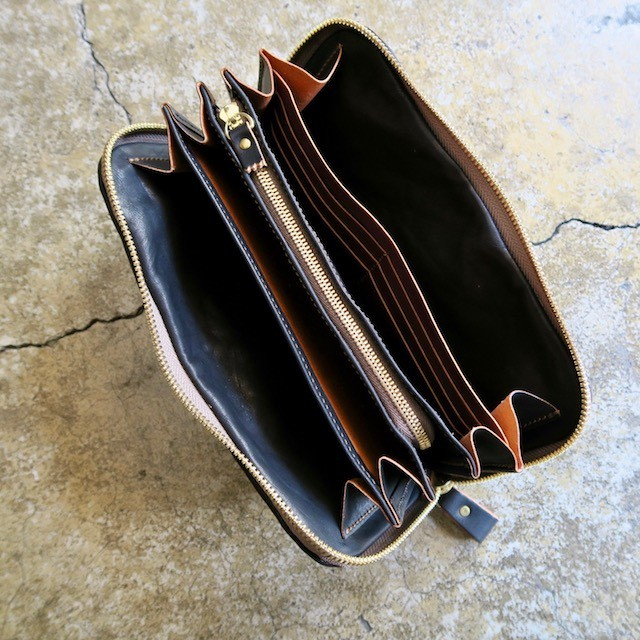 Soft Leather Round Zip Wallet (Black)