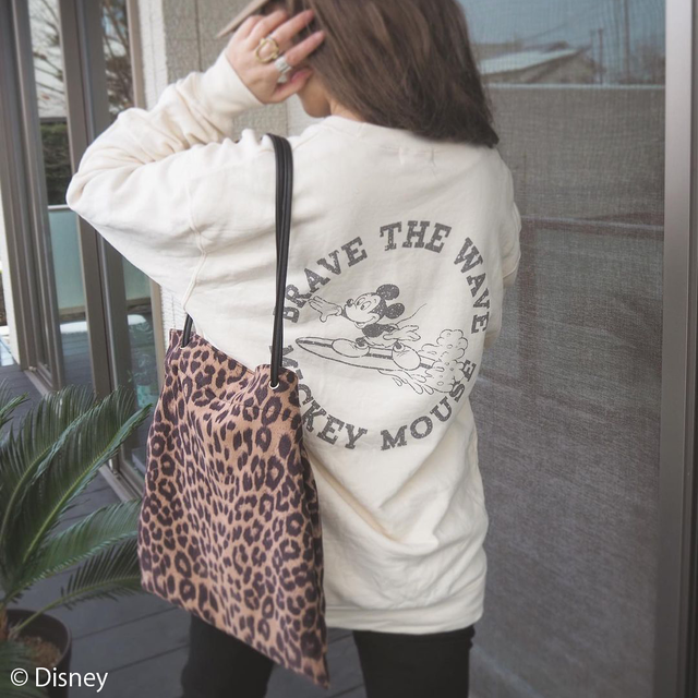BRAVE THE WAVE <MICKEY MOUSE> sweat - Natural