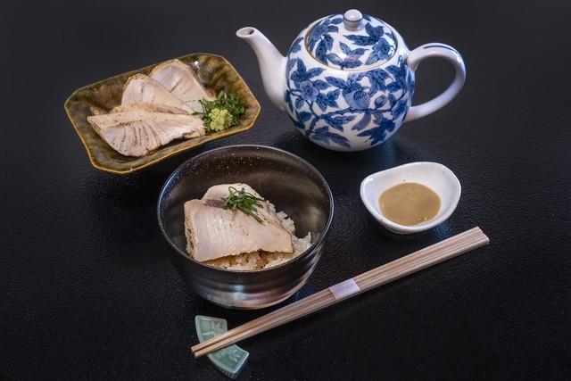 【300余年継承された伝統調理】炙り鰤茶漬け(一人前)