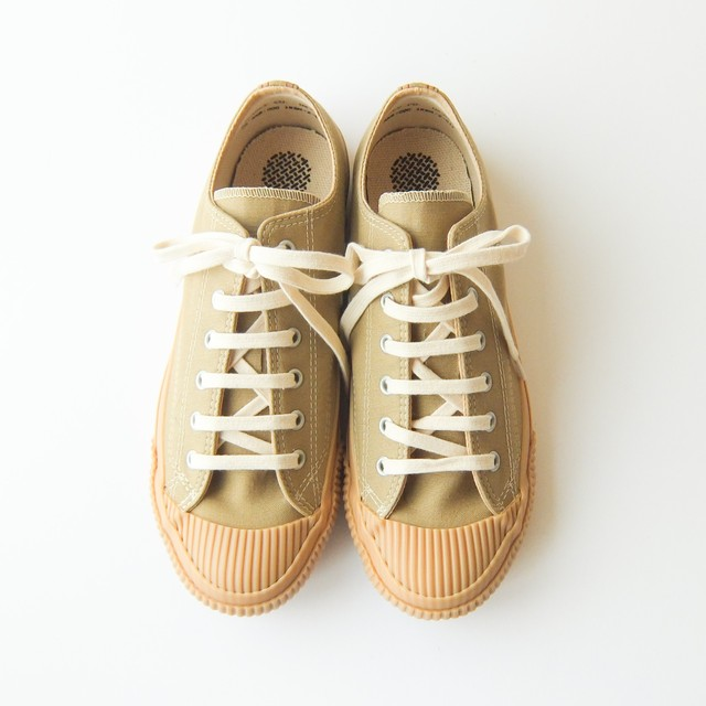 PRAS - SHELLCAP LOW スニーカー - BEIGE × GUM