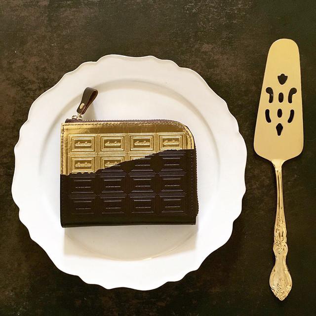 訳あり:革のビターチョコ ファスナーミニ財布(金の包み紙)
