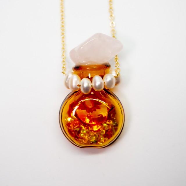おもちゃの香水瓶ネックレス 金色 019