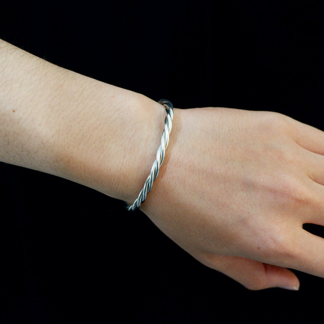 【UMB-002】Twist Tin Bangle