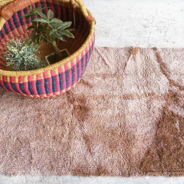 TOPANGA Homefurnishing  手織りのふわふわスモールマット ブラウン 60×100cm