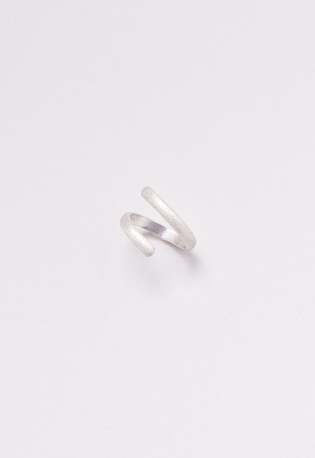 distorted ring / brushed