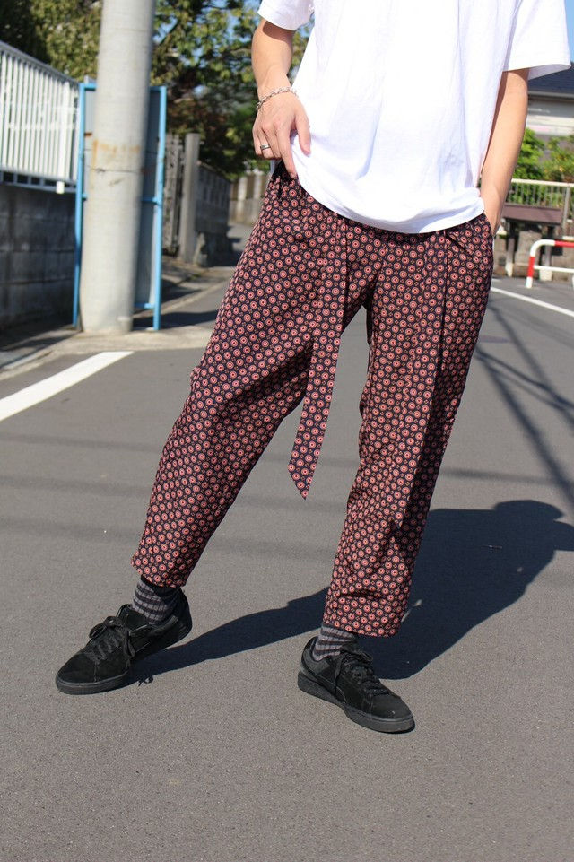 TOTAL DESIGN PANTS