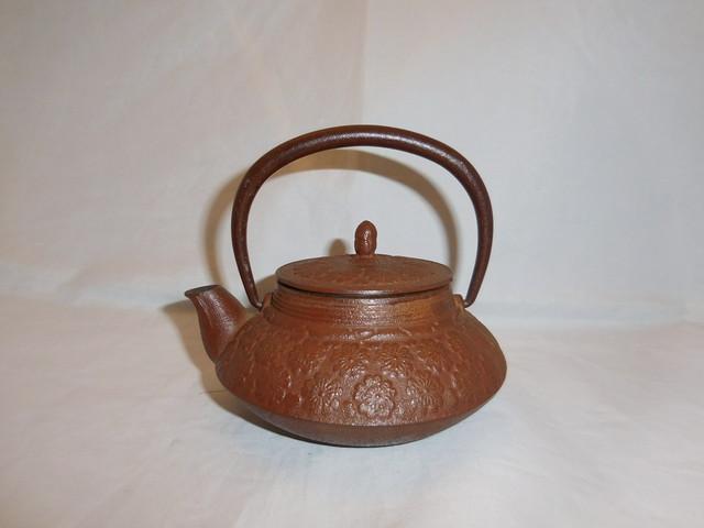 茶松葉模様鉄瓶 iron kettle(brown)(No6)