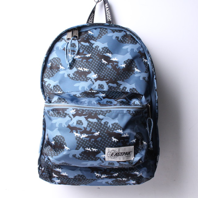 Maison Kitsune (メゾン キツネ) メンズ バッグ バックパック リュック Blue Eastpak Edition Camouflage Out Of Office Backpack r013106