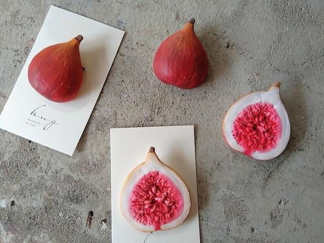 陶ブローチ:fig