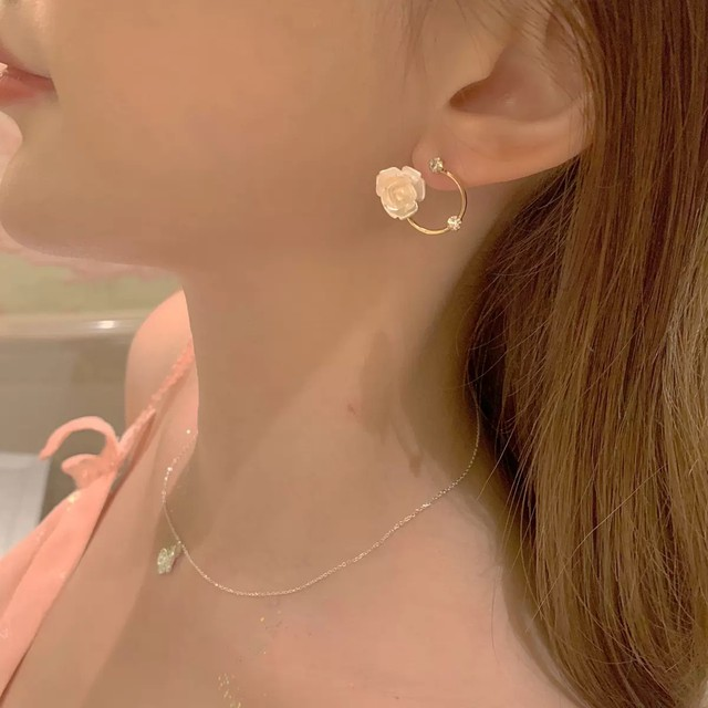 【1点のみ即納】rose hole earring