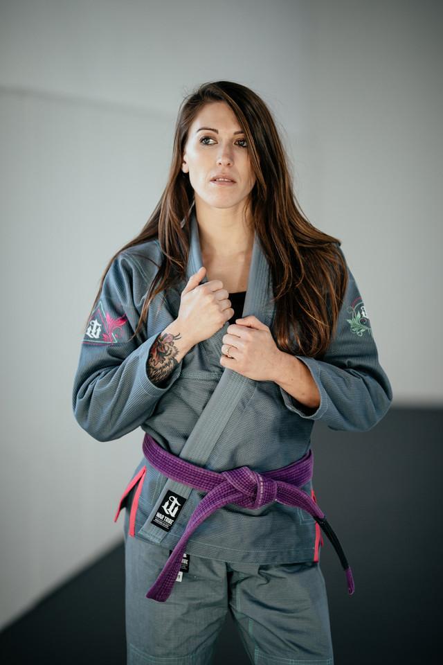 予約注文受付中 女性用 BEAUTIFUL PRECISION グレイ|ブラジリアン柔術衣
