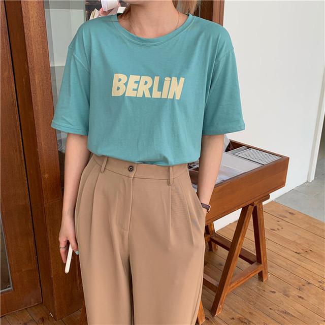 BERLiNロゴの半袖Tシャツ