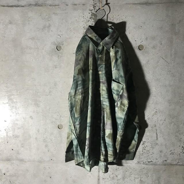 [used]dark green art shirt
