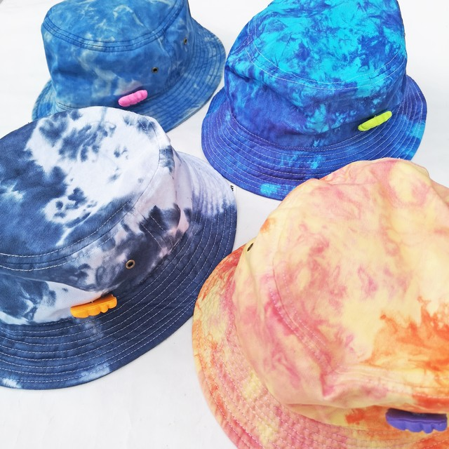 "STASCM ""SCM"" BUCKET HAT + SCM PINS"
