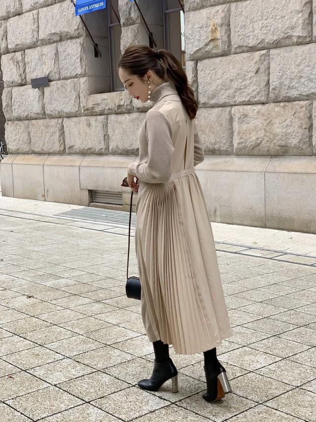 back pleats onepiece / beige (即納)