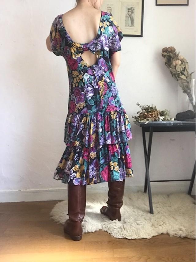 Flower printed back ribbon dress