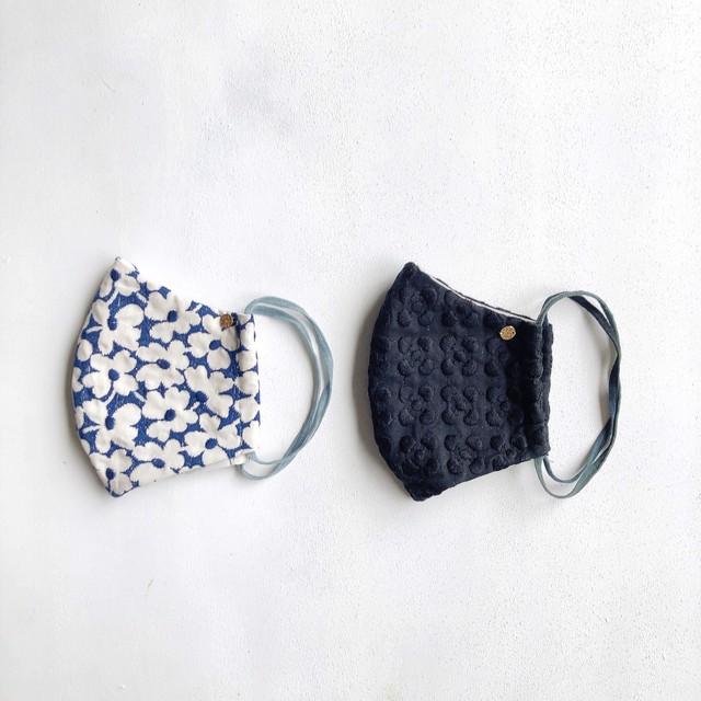 マスク2枚セット:ブラックのプルメリア柄&ネイビー刺繍のお花柄*大人サイズ