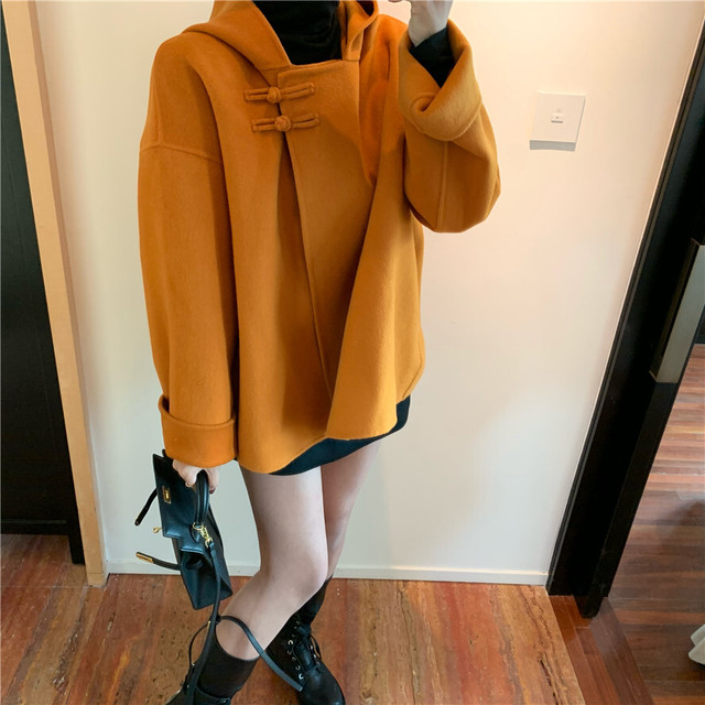フード付き ショートコート ポンチョ風 韓国ファッション レディース コート ケープ ウールコート ポンチョコート ジャケット アウター レトロ / Cape wool jacket with plate loose hood (DTC-610406474159)