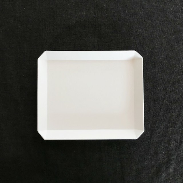 1616/TY 165 Square Plate
