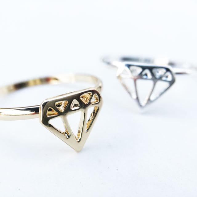 ダイヤモンドモチーフリング