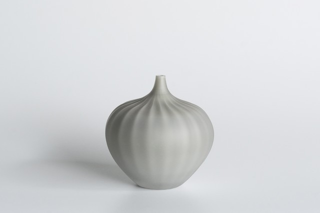 decorative vase no.8 / qualia-glassworks