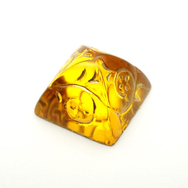 ヴィンテージ ピラミッド型エッチングガラスカボション ゴールド