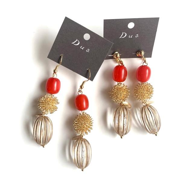 クリア果実と赤い木の実の耳飾り