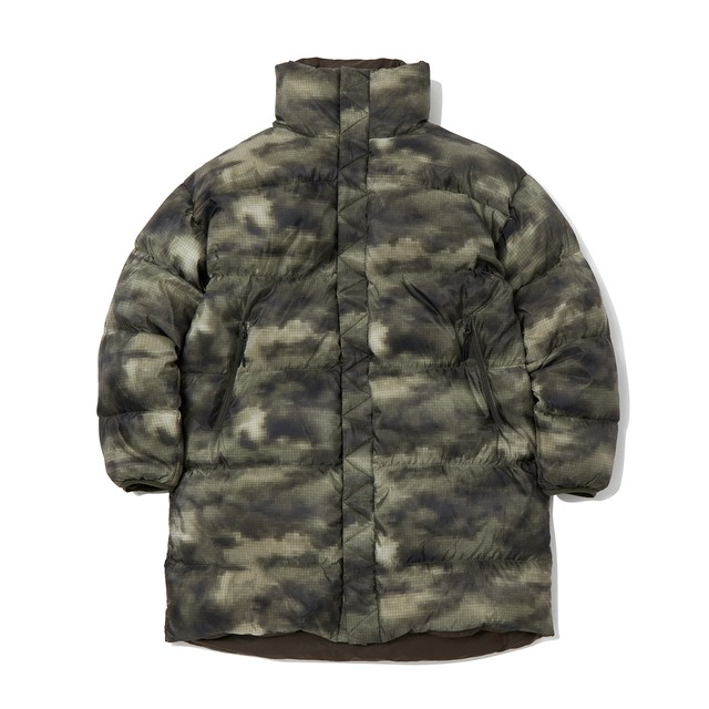 CLOUD CAMO PRINTED REVERSIBLE DOWN COAT - KHAKI
