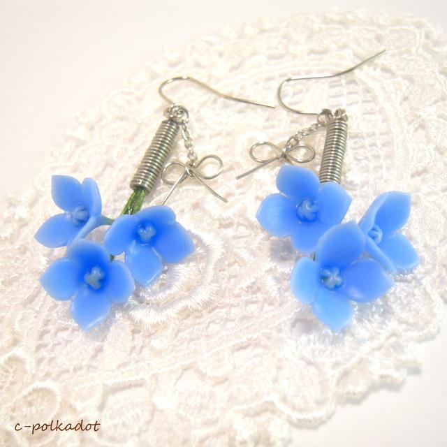 【濃青B】揺れる紫陽花とリボンのピアス/イヤリング