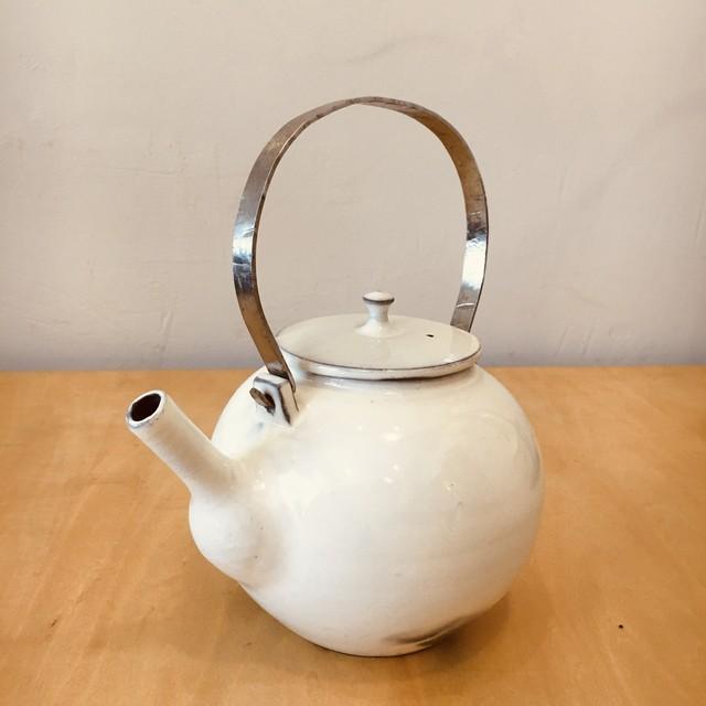 現代作家 丸型粉引土瓶/ティーポット 槌目弦 在銘 クラフト 民藝