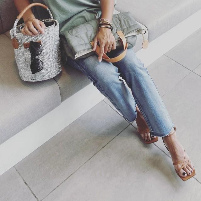 Mercado shoulder Bag / WHITE / BLACK / side line