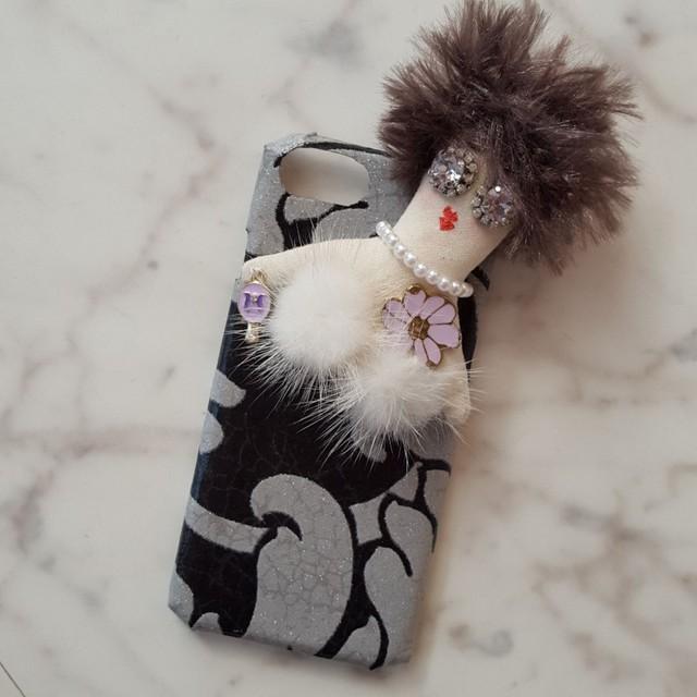 ドール付きiPhoneケース