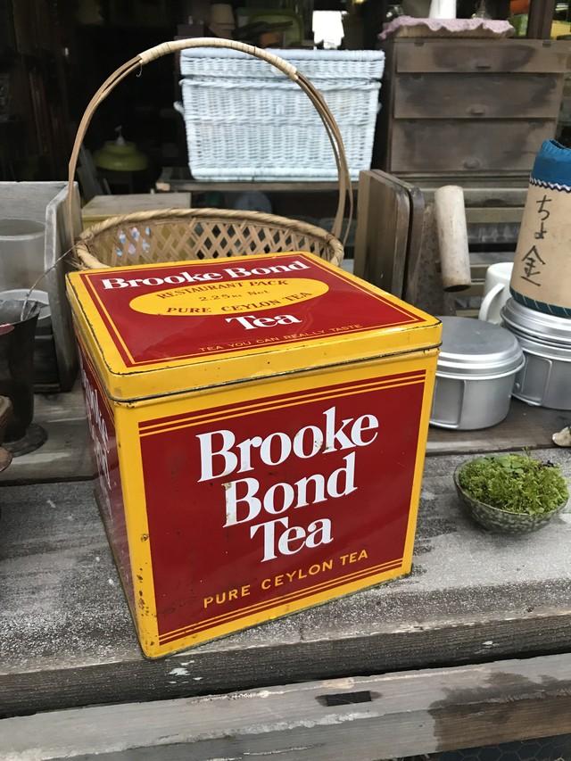 Brooke Bond Tea 缶