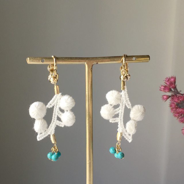 【12月の誕生石】White cotton branch with Turquoise blue
