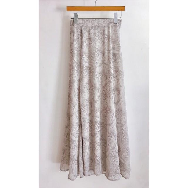 水彩タッチのセミフレアスカート